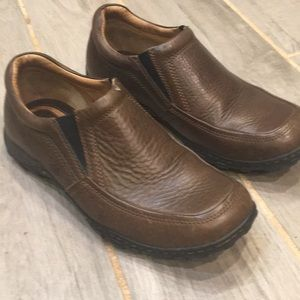 Men's Born Brown Leather Loafer Size 10 Never Worn